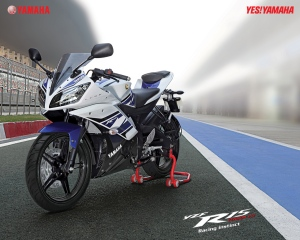 YZR R15 01