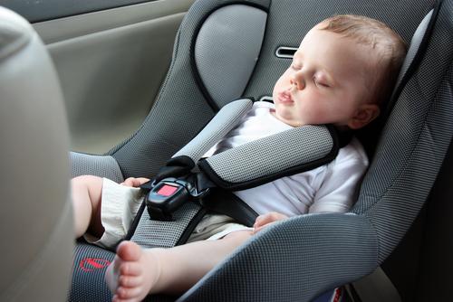 Image result for meninggalkan orang di mobil shutterstock