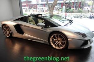 Aventador Roadster 04