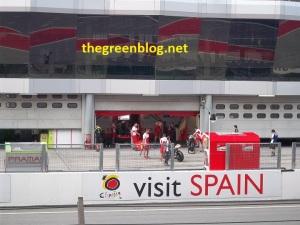 Motornya Valentino Rossi lagi disiapin untuk babak Qualifying