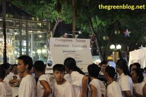 Philippines, Taiwan, Indonesia dan Cambodia. Terlihat salah satu peserta udah ngantuk berat demi mobil Rp 1M